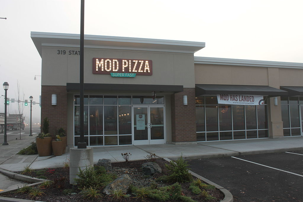 jobs for felons, company profile, MOD Pizza, restaurants, fast food, pizza place