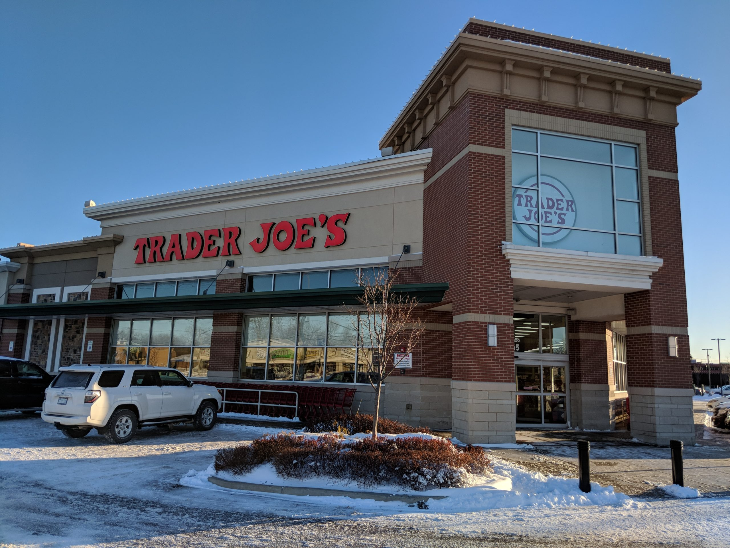 jobs for felons, company profile, Trader Joe's, retail, grocery stores