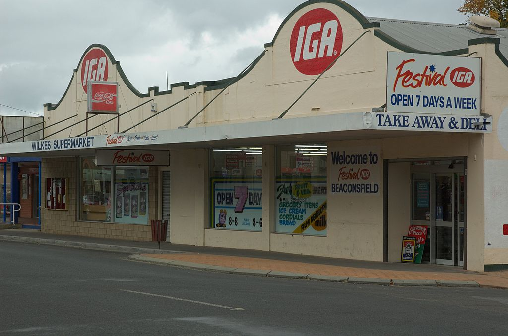 Does IGA hire felons in the grocery department?